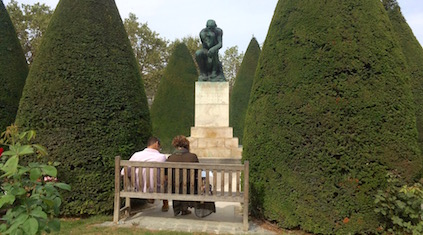 Мыслитесь в Музее Родена в Париже